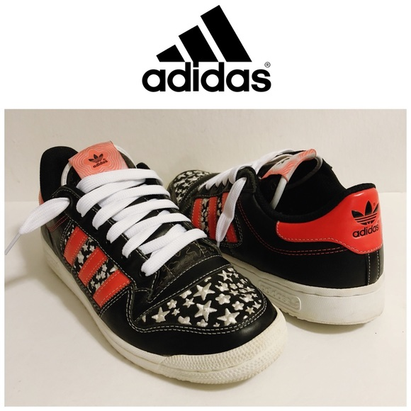 adidas Other - Adidas Stars Black Red & White Sneakers Size 9
